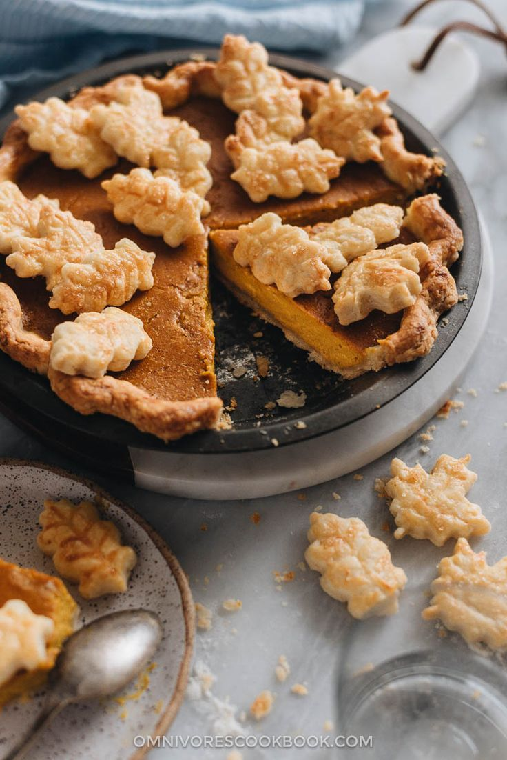 Kabocha Pumpkin Pie (a Lighter and Fluffier Pie) - This kabocha pumpkin pie recipe creates a lighter and fluffier version of the traditional pumpkin pie.