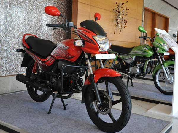 Demonetisation Affect; Two-Wheeler Sales Continues To Suffer
