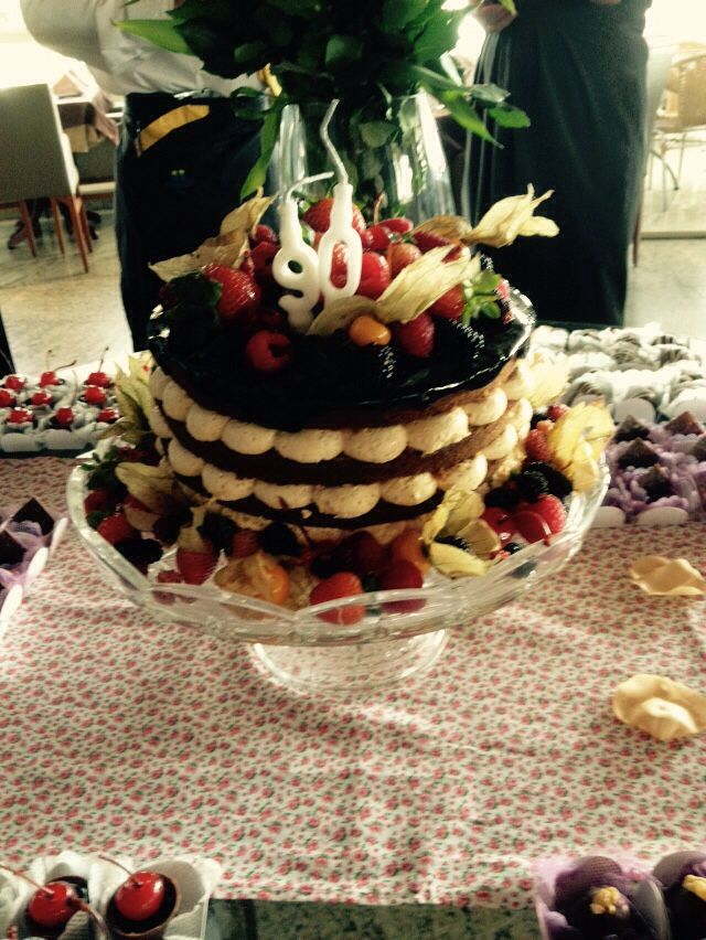 Nadek cake