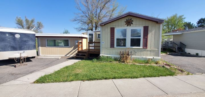 2 Bedroom 2 Bath Mobile Home W Bonus Room In Heights Billings Mt Rentals Cute 2 Bedroom 2 Bath Mobile Hom Small Gas Fireplace Garden Tub Mobile Home Parks