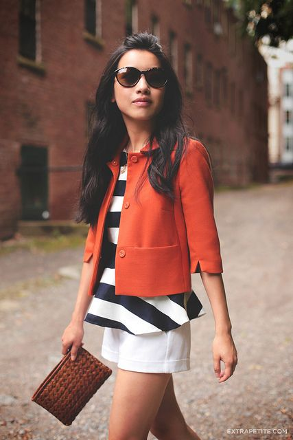 Great blog for petites. Tips and tricks for making your clothes fit how they should. Plus she has great style!