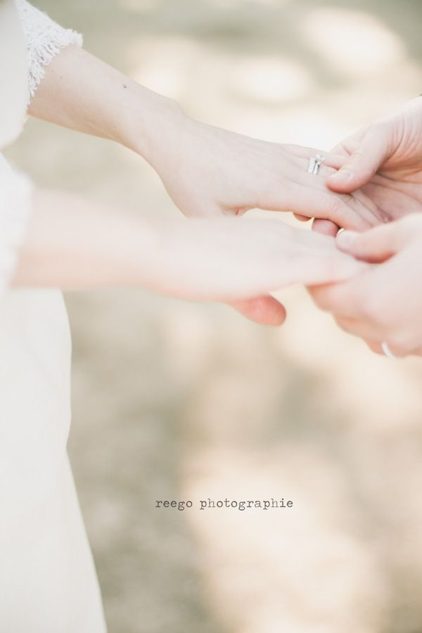 ©Reego Photographie - Mariage a Nice - La mariee aux pieds nus / winter wedding / mariage en hiver