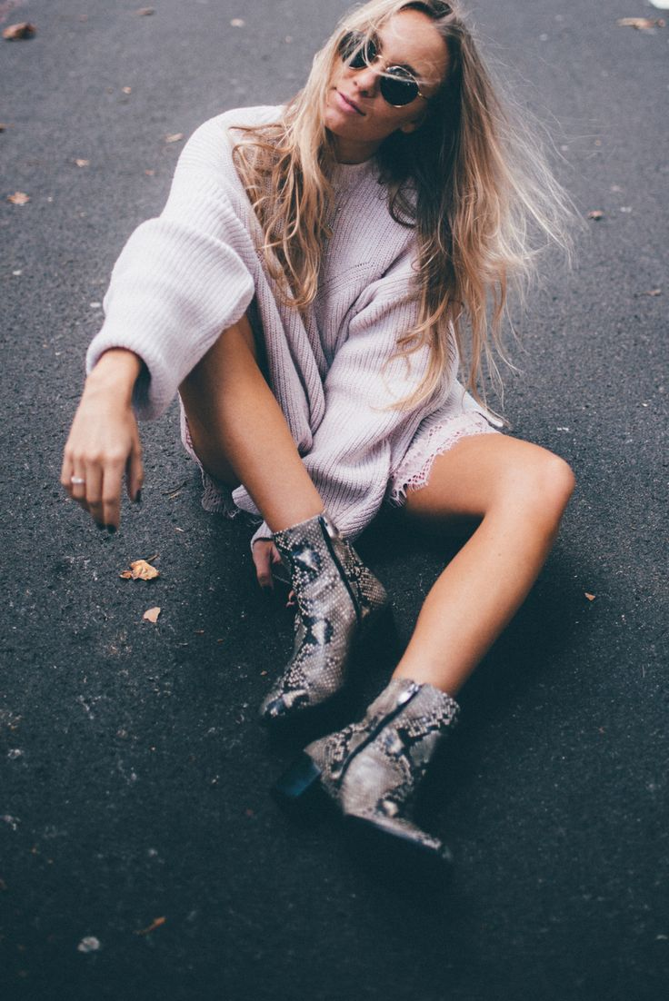 light pink knit, hm, snakeskin boots, fall outfit, Start Living Your Best Life - Blogi   Lily.fi