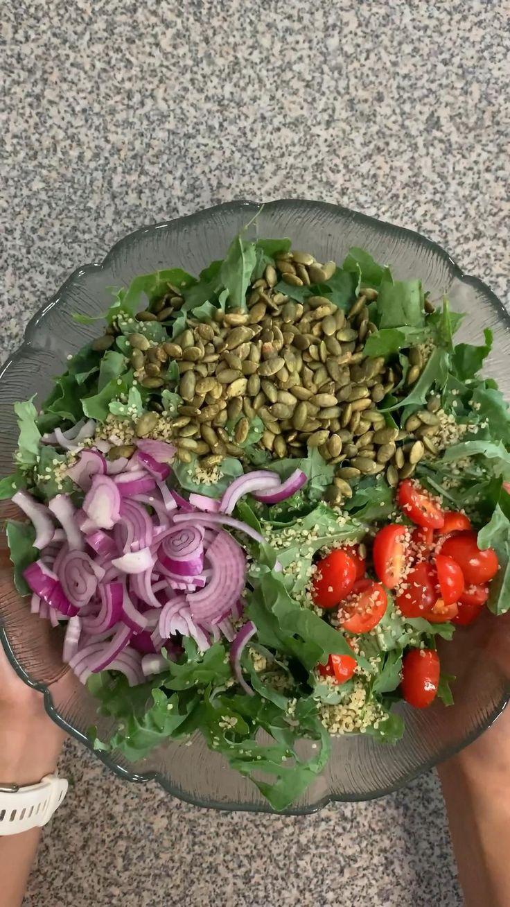 Healthy Salad Recipes, Veggie Recipes, Cooking Recipes, Keto Recipes, Summer Salads, Summer Food, Picnic Foods, Kale Salad, Summer Picnic