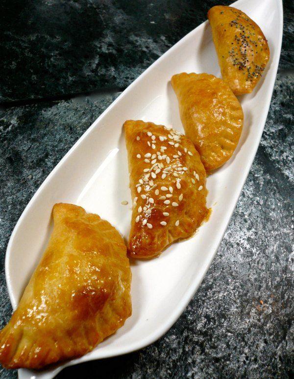 Τυροπιτάκια- Small cheese pies