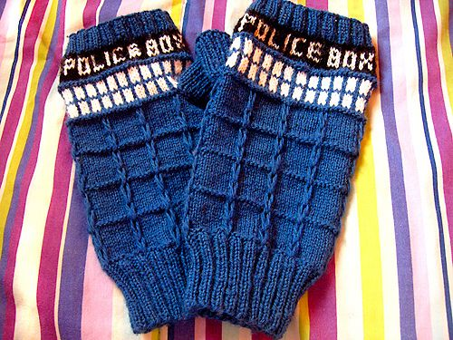 Knitting Pattern For Tardis Socks : 1000+ images about Knit/Crochet Gloves-Mittens on Pinterest Gloves, Mittens...