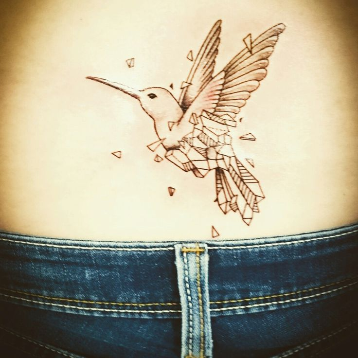 Hay momentos que marcan tu vida y otros que marcan tu piel...  #tanto #hummingbird #kerbyrosanes