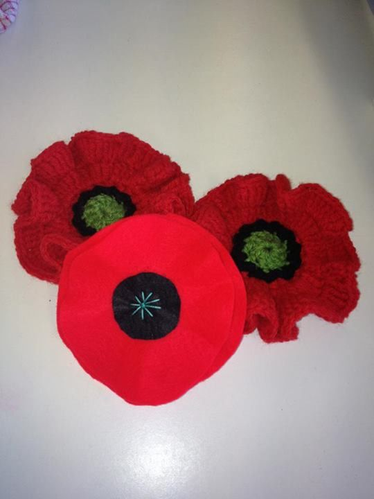 Knitting Pattern For Anzac Day Poppies : 78+ images about ANZAC DAY POPPIES on Pinterest Knitting ...