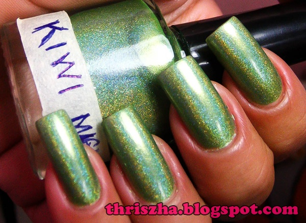kiwi magic  franken made by my very deat friend Dr. Jeannette Gueco    a medium green holo polish