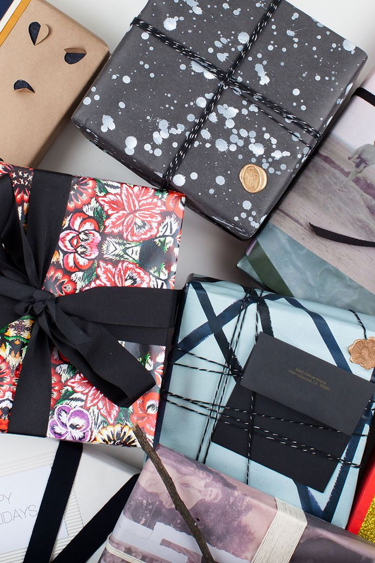 demo wrap a present A gift wrapping service can make you cash, especially during peak gift-giving holiday times from supplies to production to marketing, this service is easy to manage and operate, if you follow some simple guidelines and manage your time wisely.