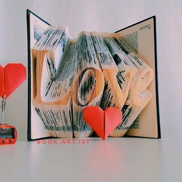 ♥️♥️ ✔Kişiye özel tasarımımız vardır. ✔Bilgi ve sipariş için Dm veya e-Mail atabilirsiniz. . . . #love#aşk#kitap#book#folding#katlama#kitapkatlama#bookfolding#bookshelf#booking#bookstore#kitapkokusu#kitapsevgisi#kitaplarheryerde#sanat#gorselsanat#gorselsanatlar#kisiyeozel#foldingpaper#tasarım#emek#kişiyeözel#hediye#gift#armağan#kutlama#süpriz#roman
