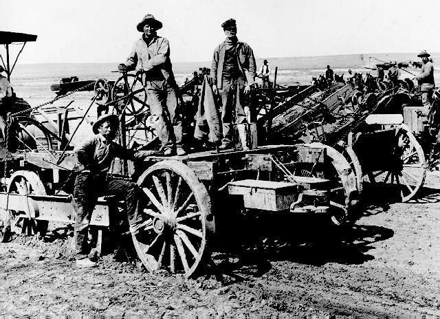 This picture features a Reclamation construction crew working on the Boise Project in 1914. The Boise Project furnishes a full irrigation water supply to about 224,000 acres and a supplemental supply to some 173,000 acres in southwestern Idaho and eastern Oregon. For more information, on the Boise Project, visit http://on.doi.gov/1baI7Gl