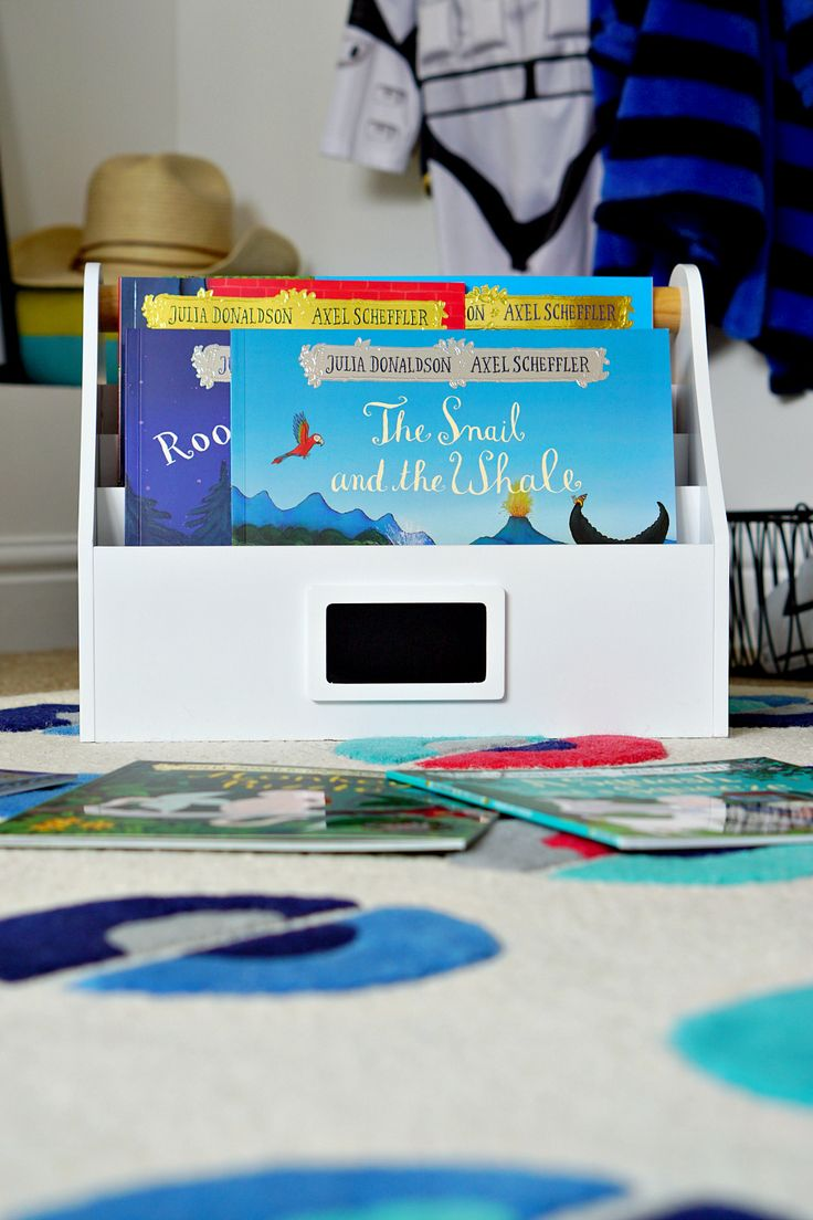 The Ordinary Lovely: The magic of books and stories. Cool, family-friendly storage.