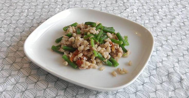Recept - Salade van parelgort met sperzieboontjes, tonijn en zongedroogde tomaten
