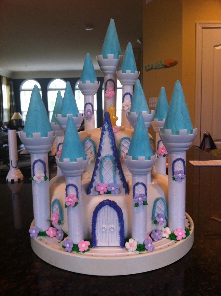 113 best 1castle caroussel cake images on Pinterest Cakes