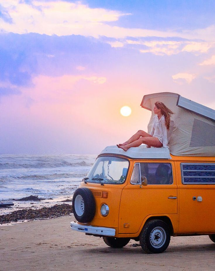 I Want To Van Life In A Classic Vw Bus Or Vanagon I Think It S The Best Van To Live In For Vanlife And It Looks Like A Fun Way To