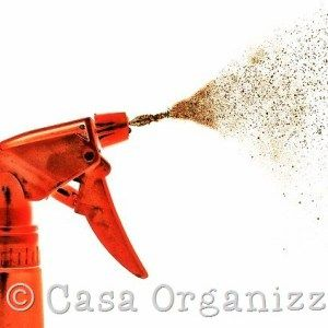 Detersivi fai da te: lo spray per togliere l'odore di sudore dalle magliette