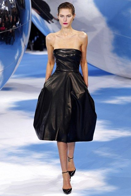 Christian Dior - www.vogue.co.uk/fashion/autumn-winter-2013/ready-to-wear/christian-dior/full-length-photos/gallery/946620
