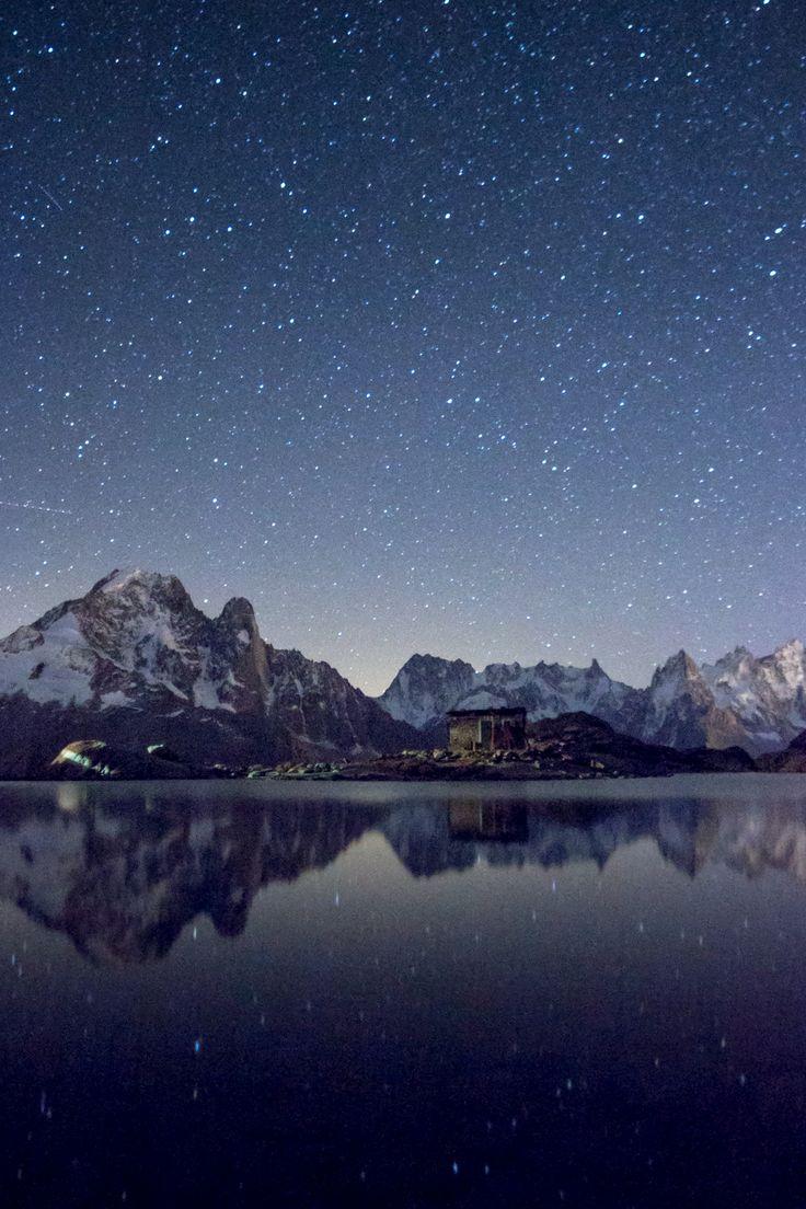 En apprenant la photographie petit à petit, je me suis découvert une passion pour les photos d'étoiles et de la voie lactée. Je ne connais rien en astronomie, et pourtant j'adore voir les étoiles se révéler sur l'écran de mon appareil et parfois, quand le ciel est assez clair, voir apparaître cette énorme cicatrice en travers du ciel appelée : voie lactée.Force est de constater que ça intrigue plus d'une personne aussi de savoir comment on fait, alors voici ma recette miracle (pas si…