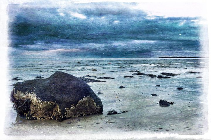 Another image taken this week at #Millisle Beach, in #NorthernIreland. Shot on #645ProMkII and processed with #Snapseed, #DistressedFX and #Pixlromatic