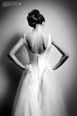 http://www.lemienozze.it/gallerie/foto-abiti-da-sposa/img14277.html Abito da sposa moderno con chiusura sulla schiena