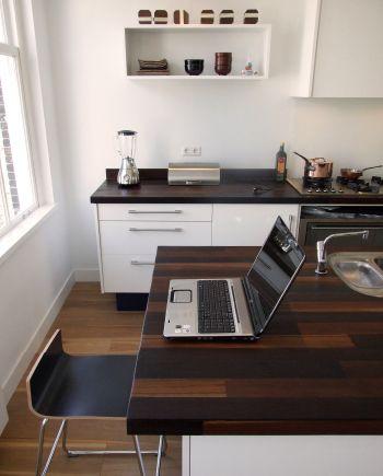 Maatwerk keuken met houten werkbladen
