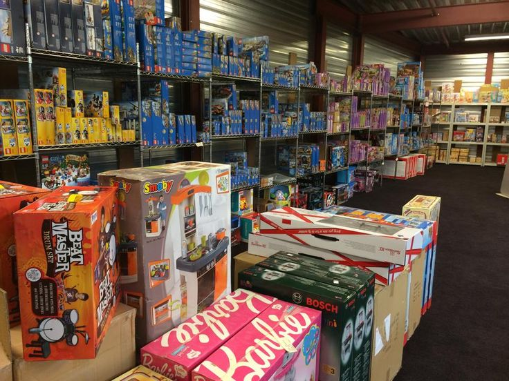 www.Stuntwinkel.nl gaat nu ook speelgoed inslaan voor Sinterklaas en Kerst! Super aanbiedingen komen eraan van topmerken: Disney, Bratz, Playmobil, Fisher Price, Matchbox, Lego, Duplo, Noddy, Megabloks, Beyblade, Barbie, Hot wheels, etc.
