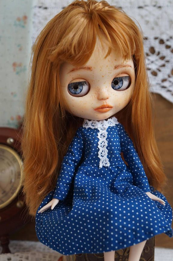 Free shipping Marie Blythe doll  two sets of clothing