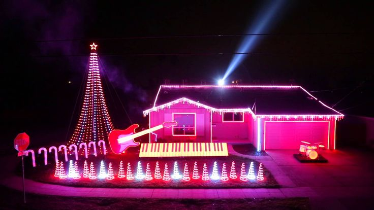 Christmas Light show featuring various music from Star Wars movies - including Imperial March, Cantina theme music, etc. (the lights are timed to the music) #StarWars #Christmas || From December 2014
