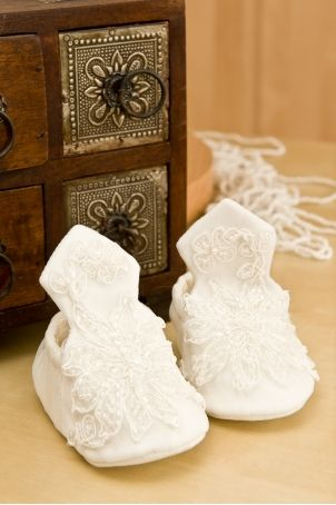 """Exquisite baby girl christening bootees, matching the """"Little Angel"""" dress.  http://www.petitecoco.ro/shop/en/home/44-little-angel-baby-girl-bootees.html"""