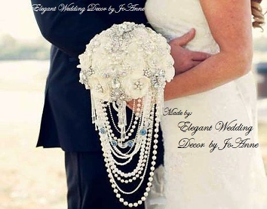 JEWELED WEDDING BOUQUET- Deposit for Elegant Ivory Cascading Pearl Elegant Brooch Bouquet, Custom Wedding Bouquet, Cascade Bouquet