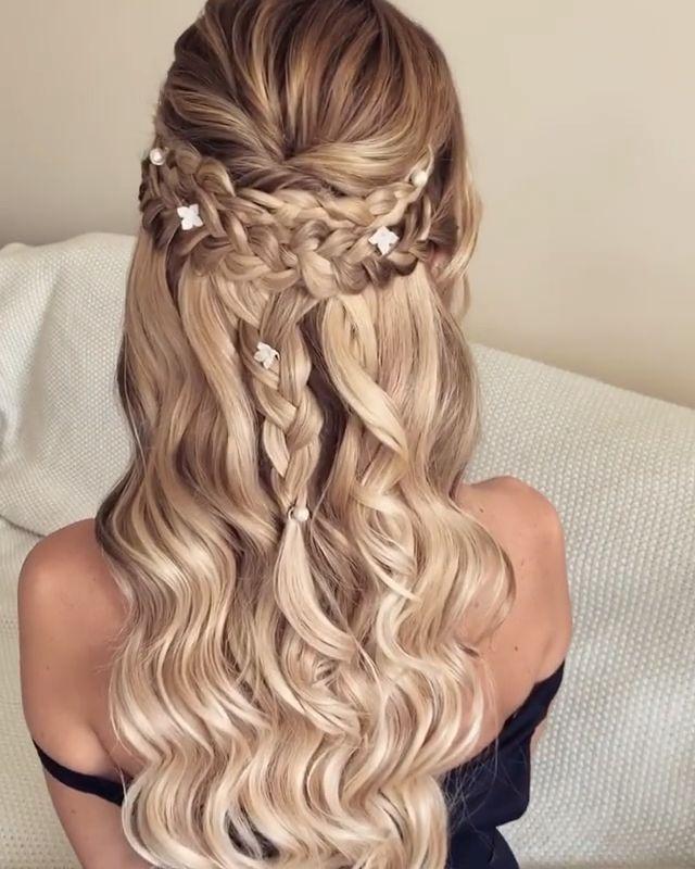 Frisurhalboffen In 2020 Festliche Frisuren Lange Haare Locken Frisur Lange Haare Locken Hochzeitsfrisuren