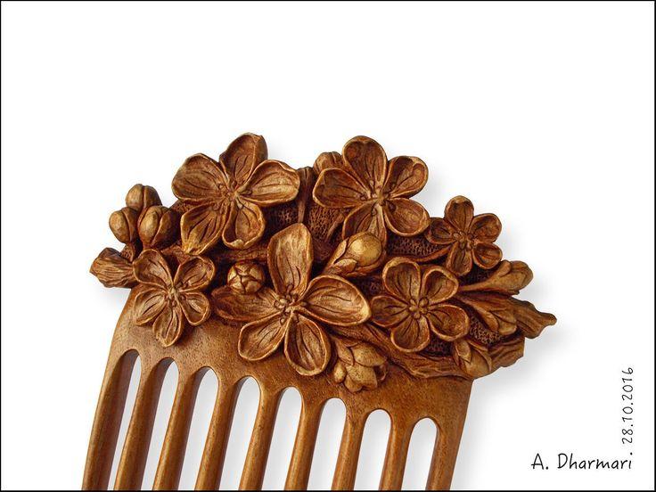 Купить или заказать Заколка для волос 'Apricot branch' в интернет-магазине на Ярмарке Мастеров. Заколка 'Apricot branch' - оригинальное украшение для любой обладательницы длинных волос, а также практичная полезная вещь - она поможет быстро прибрать волосы. Такой гребень можно использовать и для скрепления волос в простой повседневной прическе, и как составную часть, 'изюминку' более сложных интересных причесок, для особых случаев. Благодаря двойному изгибу заколка оче...