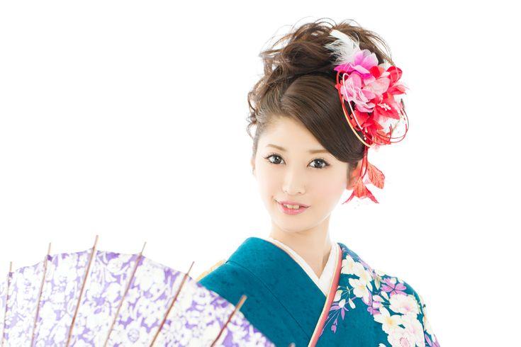 結婚式がぐっと艶やかに!日本の伝統的な婚礼衣装「引き振袖」の参考画像9選