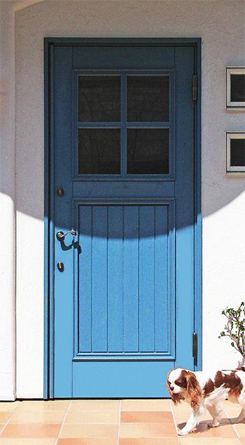 青い玄関ドア