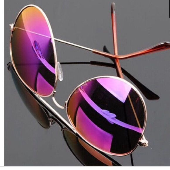 ✨LAST ONE✨ PURPLE MIRRORED AVIATORS PRICE FIRM UNLESS BUNDLED  I DON'T MODELPurple mirrored aviators  durable metal frame polarized polycarbonate lenses UV 400 protection adaptable nose pads for extra comfort  frame height :5.3cm temple length:13cm Suggested user  Fast shipper  Smoke free dog friendly home Price firm unless bundled   No PayPal, lowest, or model inquiries plz  ❔'s...just ask  Accessories Sunglasses