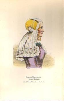 Litho voorstellende een redersvrouw in Vlaardingse dracht, portret ten halve lijve. Zijaanzicht van een vrouw gekleed in paars jak, op haar hoofd een gouden oorijzer met dito krullen en mustenbellen. Daarover een lange kanten kap, uithangend over haar schouders. Onderschrift in het Frans: Dame de Vlaardingen (Hollande Meridionale), ca 1860-1870. uitgever P.G. van Lom. #ZuidHolland #Vlaardingen