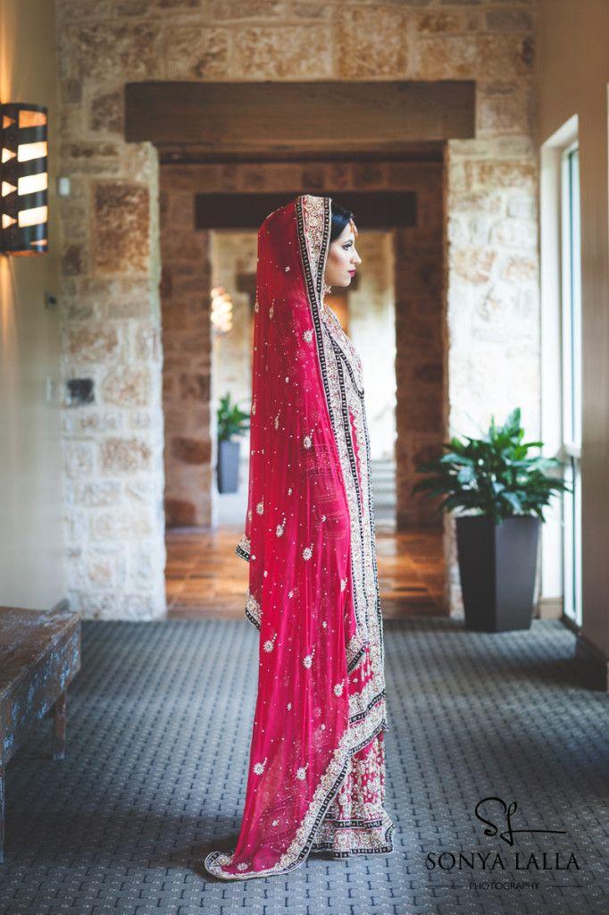 78 best kaftan images on pinterest moroccan dress for Dulhan bed decoration