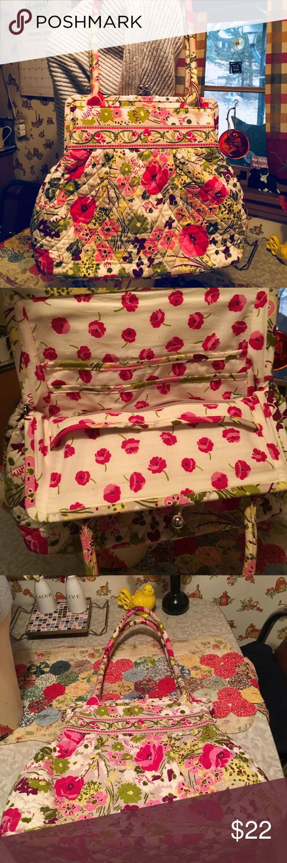 Vera Bradley beautiful floral shoulder bag! Vera Bradley new floral shoulder bag!  So many pockets inside and out to keep you organized!  Perfect spring/summer bag! Vera Bradley Bags Shoulder Bags