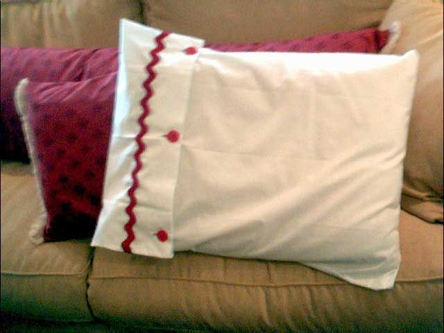 King Sized Pillow Case, Rick Rack (paddy Whack!) And Buttons. Whatu0027s