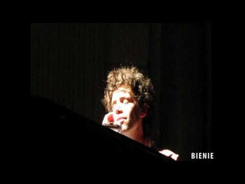 VIDEO Mika - Lady Jane @ Concertgebouw Amsterdam 02/06/2009