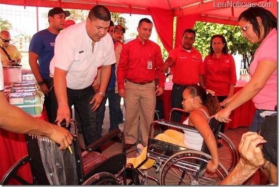 Alcaldía de Guanta y Petropiar realizaron donación de equipos médicos - http://www.leanoticias.com/2012/11/27/alcaldia-de-guanta-y-petropiar-realizaron-donacion-de-equipos-medicos/