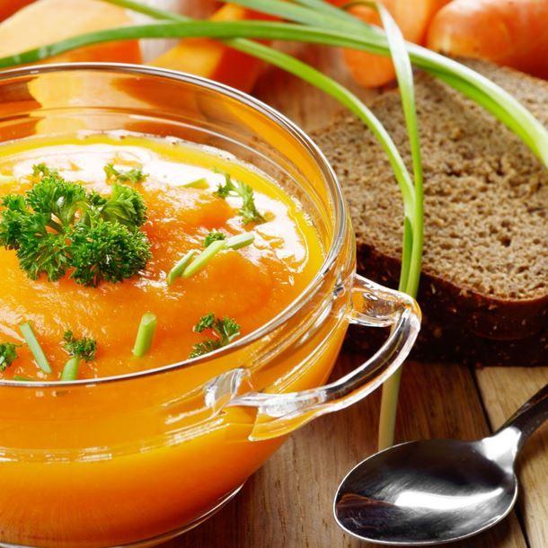 Soupe douceur de carottes et courgettes jaune au Kiri® et Vache qui rit®