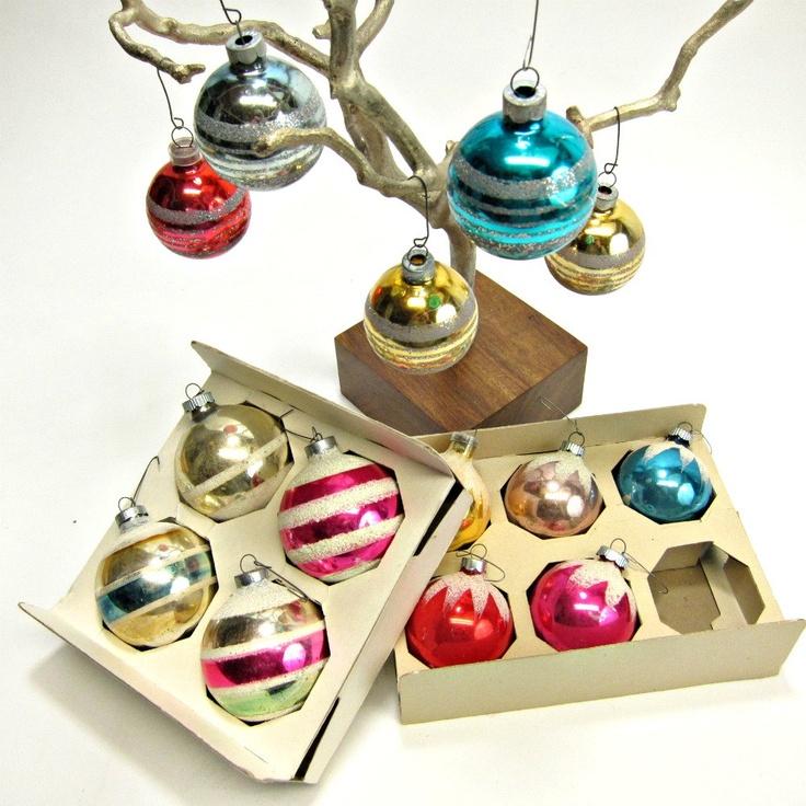 vintage: Glasses Ornaments, Vintage Glitter, Vintage Christmas Decor, Vintagechristma Decor, Vintage Ornaments, Vintage I Remember, Vintage Christmas Balls, Vintage Christmas Ornaments, Retro Christmas