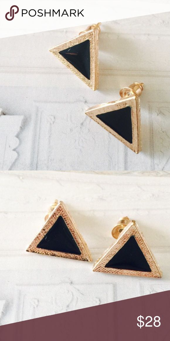 ❗️Anthropologie Black Triangle Earrings ❗️Anthropologie Triangle Earrings. Make an offer! Selling to first reasonable offer I receive! Enjoy 20% off on bundles & fast shipping! Winter cleanout sale ;-) Anthropologie Jewelry Earrings
