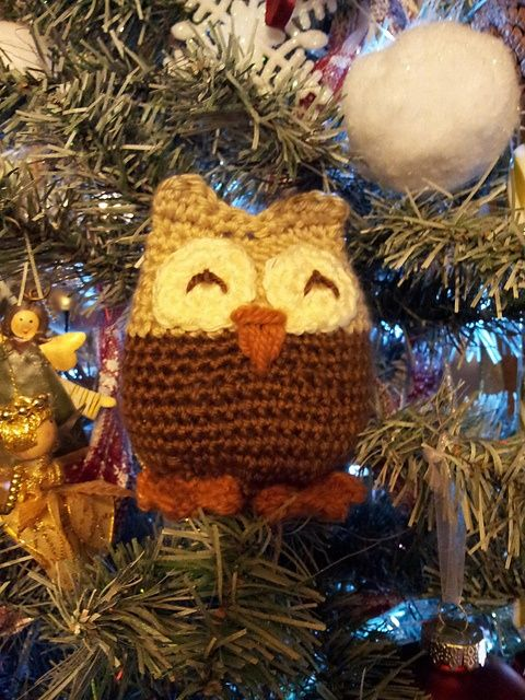 Ravelry: kazpaz's Crochet Amigurumi Owl - sitting in the Christmas tree :).