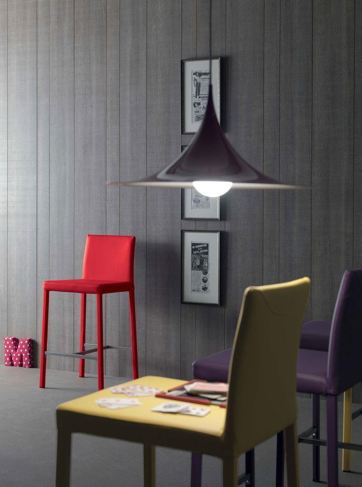 sgabello ergonomico bar alto acciaio bianco cucina schienale ecopelle imbottito metallo nero negozio poggiapiedi quadrato rosso arredamento moderno on line