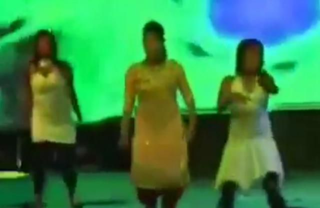 DISGUSTNG!  This is the horrifying moment a pregnant dancer was shot dead on stage – by drunk men who were angry that they could not dance with her, it was reported. Kulwinder Kaur died after she was gunned down at a wedding in Bathinda in the Punjab state in Northern India. Four people have since been arrested for the murder of the 25-year-old and remain in custody after shocking footage of the shotgun attack was posted online and went viral. Among those arrested include Lucky Goyal, the…