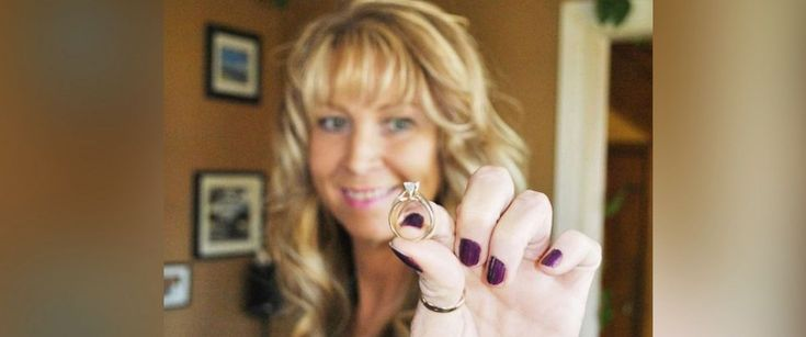 Lisa Bailey from Stellarton, Canada was reunited with her anniversary ring after she lost it three years ago.