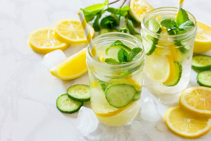 A rendszeres vízivás már önmagában is nagyon hasznos, pláne, ha vitaminokkal, illetve zsírgyilkos és vízhajtó összetevőkkel dúsítod a napi vízadagodat. Ezzel pörgesd fel a lusta anyagcserédet!